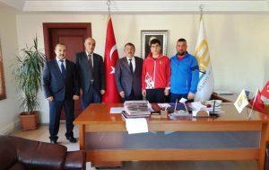 Arifiye'li Taner Türkiye Boksta Türkiye Şampiyonu Oldu…