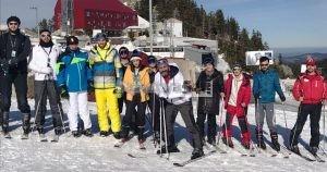 Başkan Dişli, SAÜ'lü gençlerle kayak yaptı