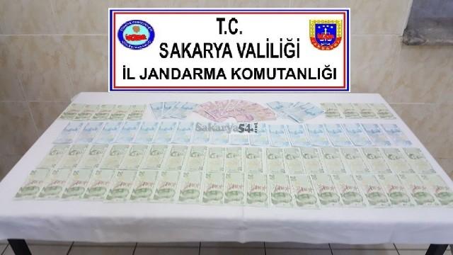 Jandarma Pamukova'da sahte paracıları Akyazı'da  Uyuşturucuları yakaladı