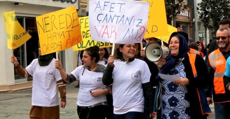 AFAD Çark Caddesinde 'Afet Farkındalığı' yürüyüşü yaptı