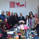 Kadınlara Kahve fincanı hediye etti  Rumeli Balkan'lar kadınları unutmadılar