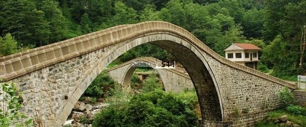 'Çifte Köprüler' turistlerin ilgisini çekiyor