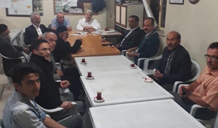 Mehmet Kır , İYİ PARTİ Geyve İlçe Başkanlığını  ziyaret etti.