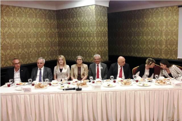 CHP Sakarya Milletvekilleri adayları Medya ile iftarda buluştu