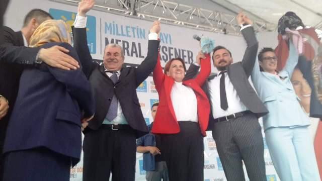 Mehmet Kır Sakarya Demokrasi Meydanında 5 bin kişinin elini sıktı