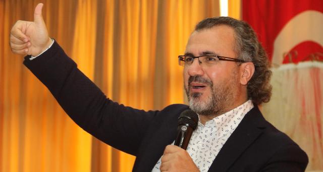 Sıtkı Aslanhan konferansı ile Akyazılı vatandaşlar ile bir araya geldi.