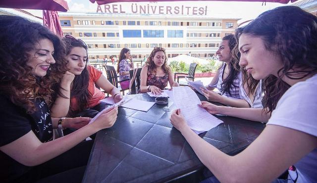 Gençler İstanbul Arel Üniversitesini  Tercih ediyor