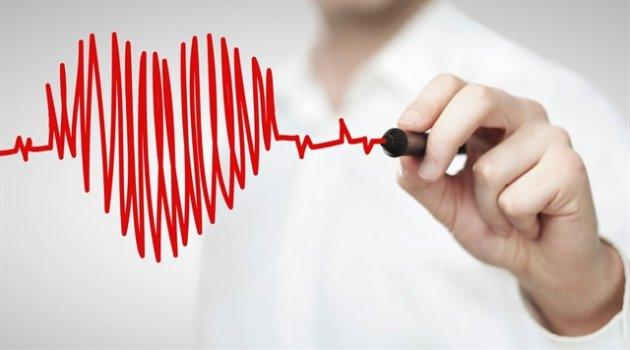 Prof. Dr. Özlem Esen, kalp krizlerinin önüne geçecek 5 tavsiyede bulunuyor.