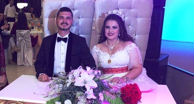 Seval ile Murat  Muhteşem düğünle  Yuvasını kurdu