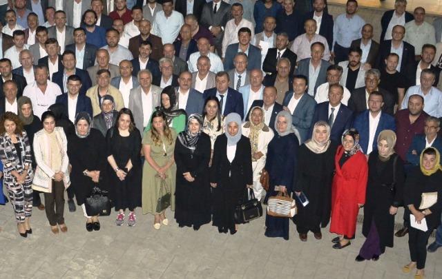 AK Parti Sakarya İl Teşkilatı Kaynarca'da İstişare Toplantısı yaptı