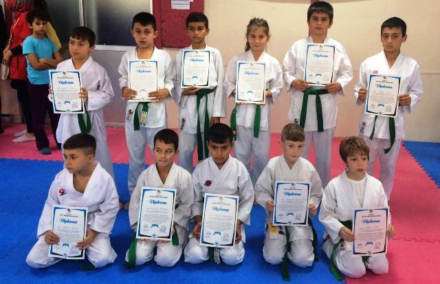 Geyve ilçesi Karate takımları kuşak sınavları yapıldı.