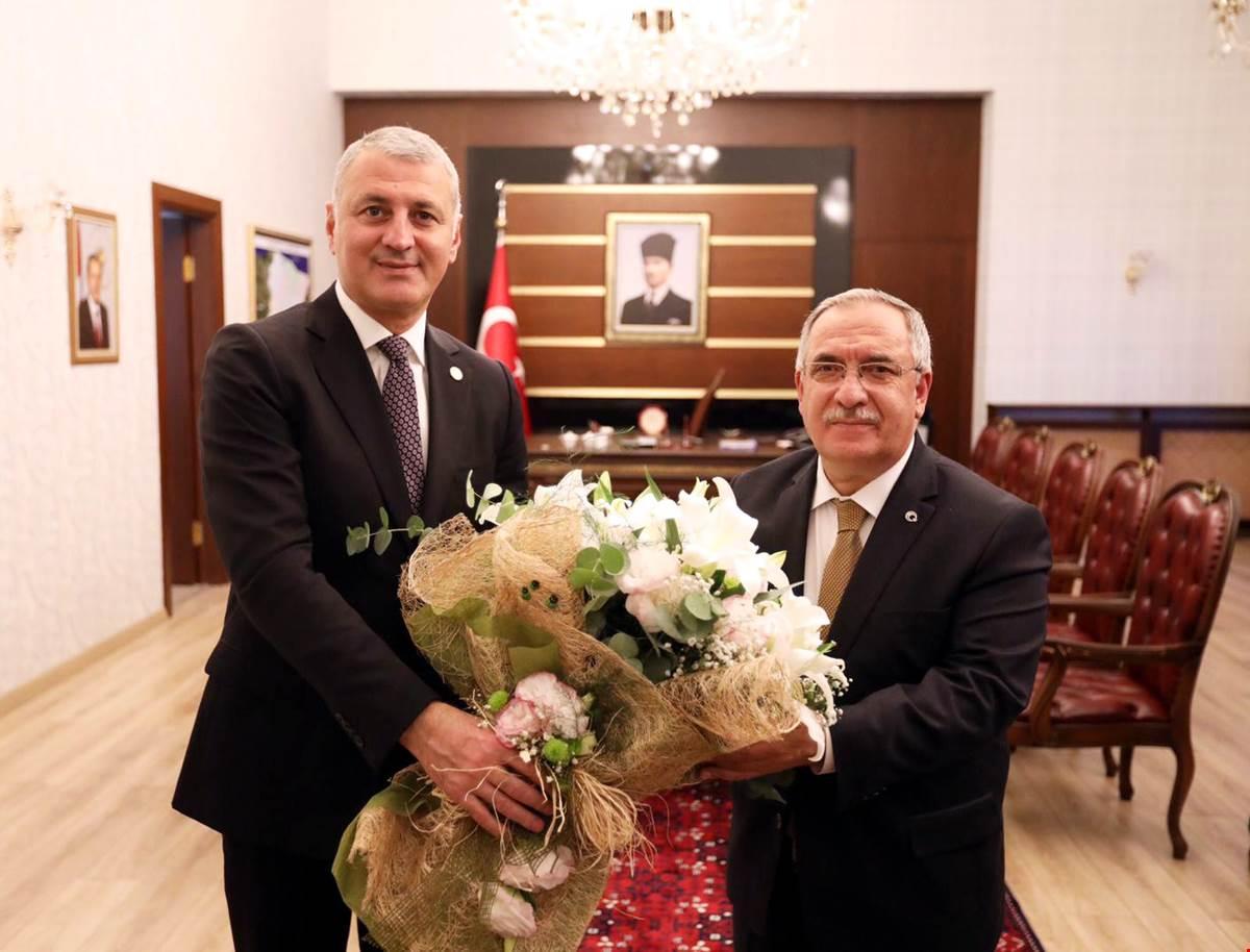 SATSO Yönetimi Vali Nayir'e Hayırlı Olsun Ziyaretinde Bulundu
