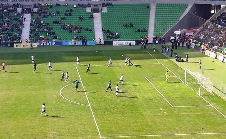 Sakaryaspor 5 Dakika Oynadı Ankara Demirspor 'u 2-0 Yendi