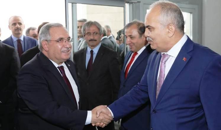 Vali Ahmet Hamdi Nayir Sakarya'da Göreve Başladı