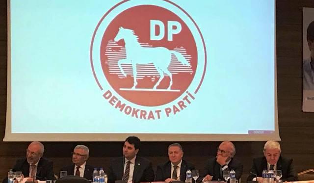 """Demokrat Parti Genel Başkanı Gültekin Uysal""""Ülkeyiuçurumasürüklüyorlar"""""""