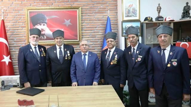 Vali Ahmet Hamdi Nayir  Şehit ve Gazi Derneklerini ziyaret  etti