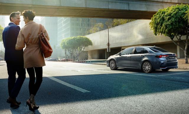 Yeni Toyota Corolla, artık Sakarya'da üretilen hibrit versiyonu ile birlikte satışa sunuluyor…