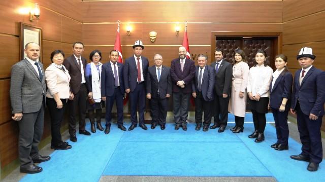 Kırgızistan Devlet Üniversitesi Heyeti Vali Nayir i Ziyaret Etti