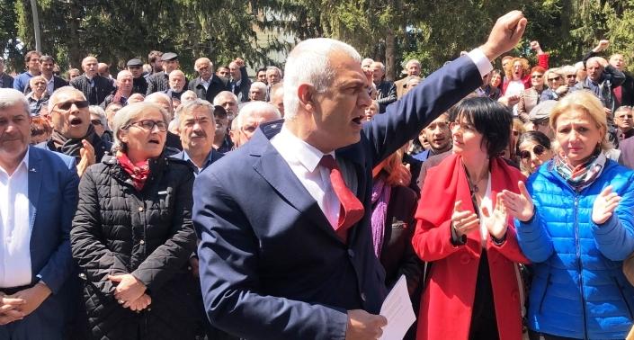 """CHP İl Başkanı Erdoğan Isır""""İstifa çağrısı!"""""""