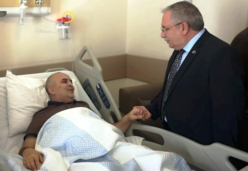 Vali Nayir SEAH ta Yatan Hastaları Ziyaret Etti