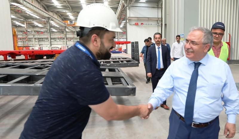 Vali Ahmet Hamdi Nayir Tırsan Treyler Fabrikasını Ziyaret Etti