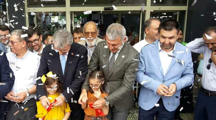 Doğu Marmara'nın en büyük yapı marketi Urgancıoğlu'ndan Muhteşem  açılış