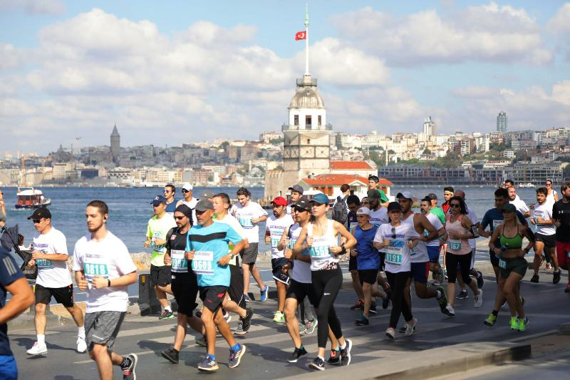 'İstanbul'u Koşuyorum'a 2 bin İstanbullunun katılımı ile gerçekleşti.