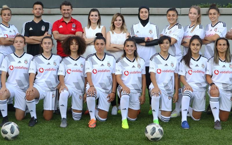 Beşiktaş JK Kadın Futbol Takımı UEFA Kadınlar Şampiyonlar Ligi'ni Namağlup Bitirdi