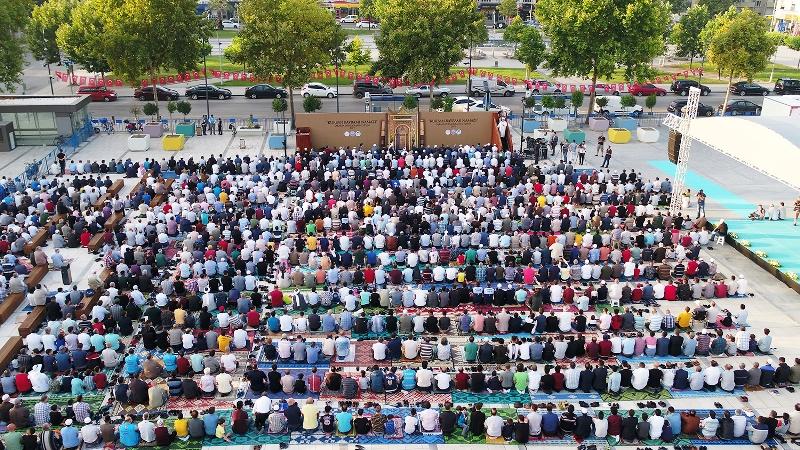 Sakaryalı Demokrasi Meydanında bayramlaştı