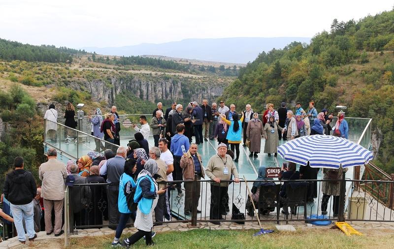 'Yaşayan Tarih Gezileri' kapsamında 100 vatandaş Safranbolu'yu ziyaret etti.