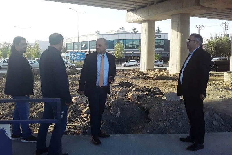İYİ Parti Erenler topça kavşağı ile ilgili incelemelerde bulundu.