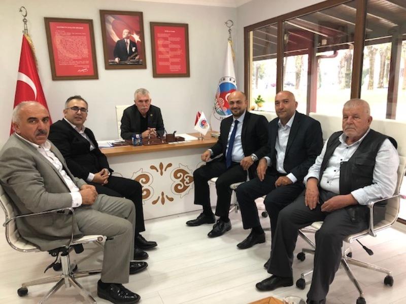 İYİ Parti Muhtarlar Günü sebebiyle Sakarya Muhtarlar Federasyonu Başkanlığı'nı ziyaret ettiler.