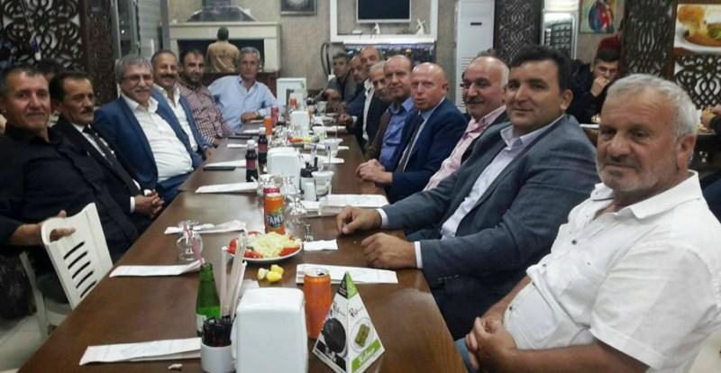 Arifiye'de Muhtarlar Yemekte buluştu