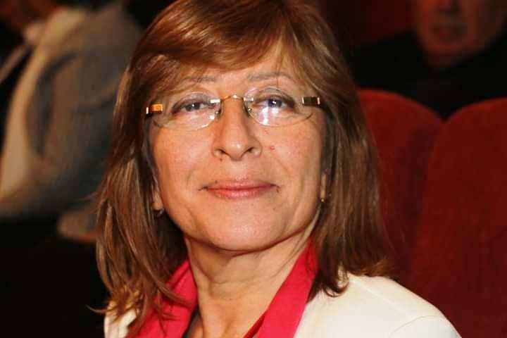 CHP Adapazarı'nda Eczacı Ayşe Füsun Çetin Başkan seçildi.