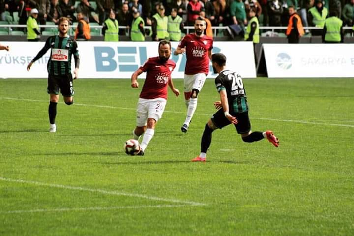Sakaryaspor sahasında Bandırmaspor'u 1-0 mağlup etti.