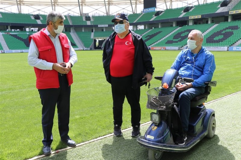 Engellilere Müjde  Yaşayan Stadda engelleri kaldırdık
