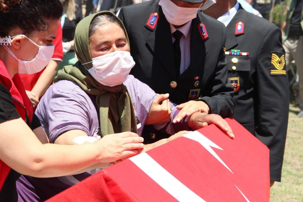 Uzman Jandarma Kademeli Çavuş Mesut Yazar Manisa'da toprağa verildi