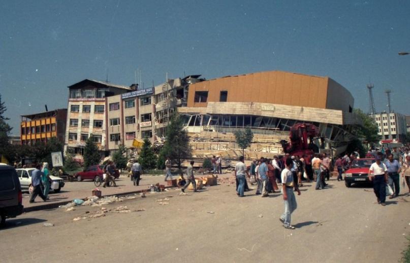 Ecevit Keleş'ten Adapazarı Belediye Başkanı Işıksu'ya Destek
