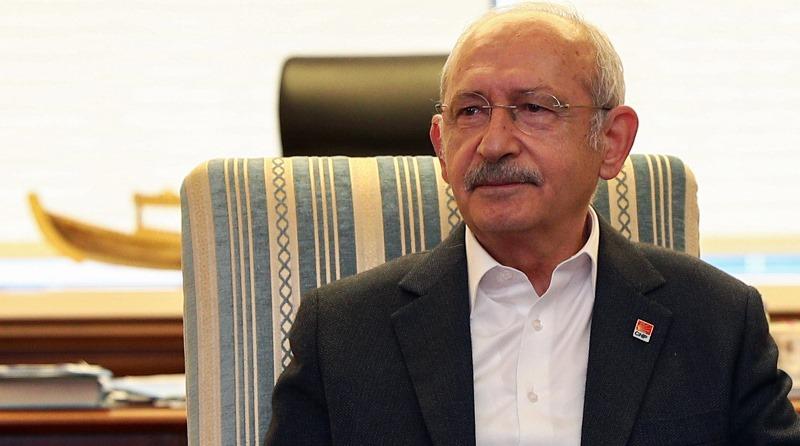 Kemal Kılıçdaroğlu, Birleşik Kamu-İş Konfederasyonu Genel Başkanı Mehmet Balık ve beraberindeki heyeti kabul etti.