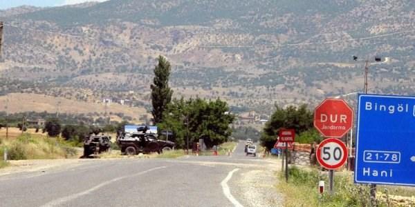 Karakola bomba yüklü araçla saldırı: 3 şehit 24 yaralı!