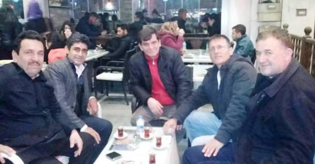 5  arkadaş 25 Yıl sonra  Sakarya'da  buluştu