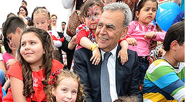 İzmir'de 23 Nisan, yine şenlikle kutlanacak