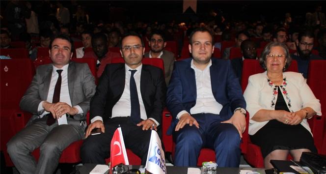 Türkiye'de bir ilk; yabancı öğrencilerle kariyer zirvesi yapıldı