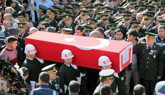 Türkiye 5 şehidini sonsuzluğa uğurladı