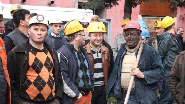Madenciler ve aileleri çözüm istiyor