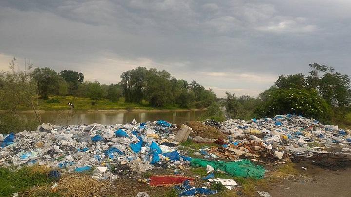 Sakaryalılar Sakarya  Nehrine çöp  dökerek ödül aldı