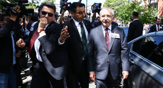 CHP Genel Başkanı Kemal Kılıçdaroğlu'na yumurtalı saldırı