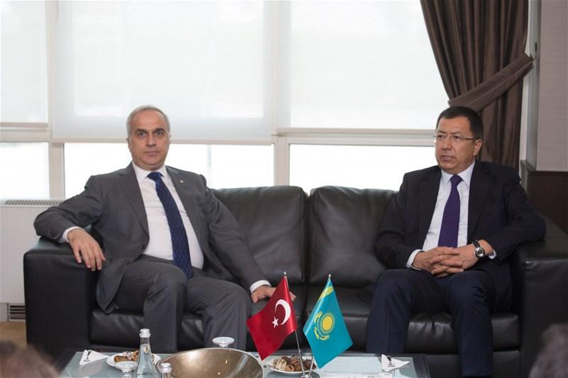 Kazakistan'ın yatırım imkanları  Sakarya'da anlatıldı