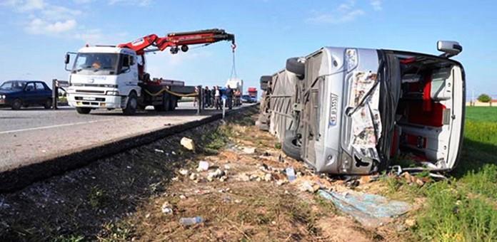 Erzurum-İspir karayolunda Otobüs devrildi  27 yaralı