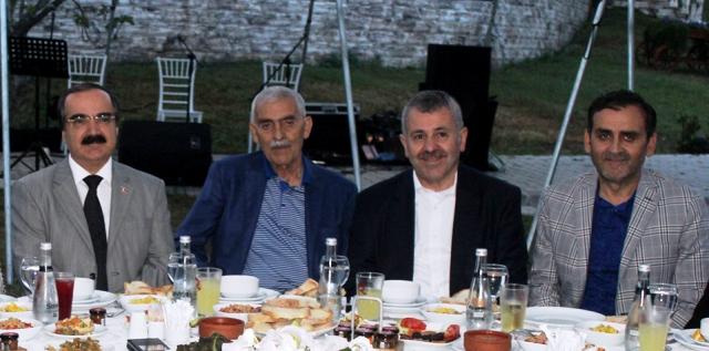 """Şaban DİŞLİ""""İslam dünyasının gözü Türkiye'de"""""""